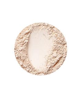 Mattierende Foundation für helle Haut