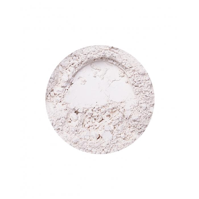 Annabelle Minerals clay eyeshadow in Almond Milk