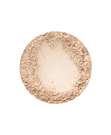 annabelle minerals radiant foundation in sunny light