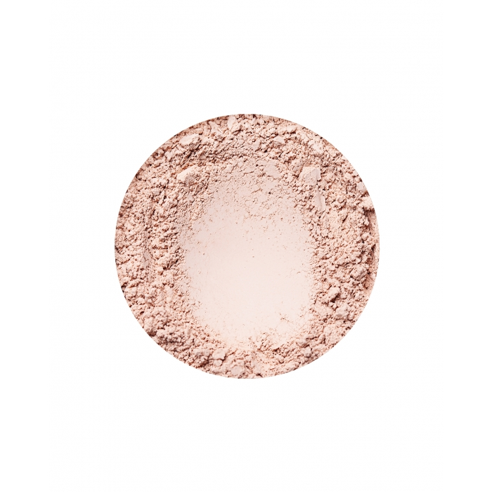 annabelle minerals radiant foundation in natural light