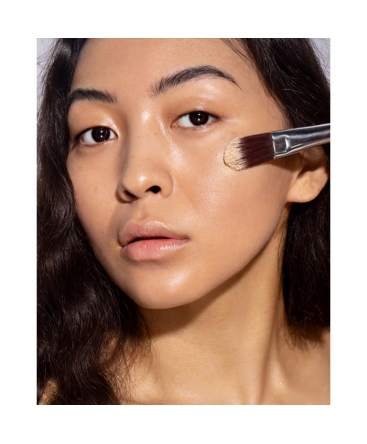 mineral concealer for fair skin in sunny cream