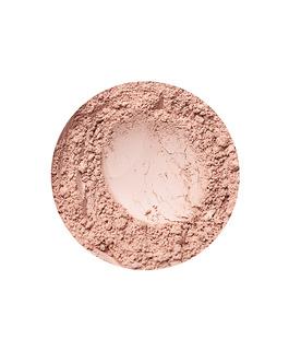 Natural Medium fedő hatású alapozó az Annabelle Mineralstól