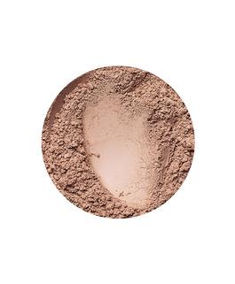 Golden Medium matt hatású alapozó az Annabelle Mineralstól