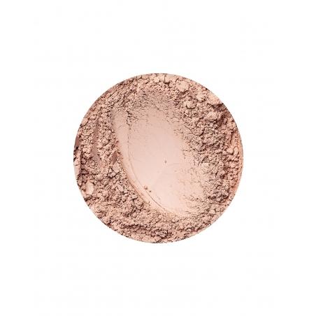 Natural Dark matt hatású alapozó az Annabelle Mineralstól
