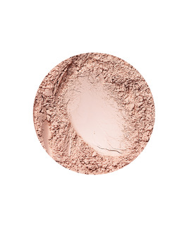 Natural Medium matt hatású alapozó az Annabelle Mineralstól