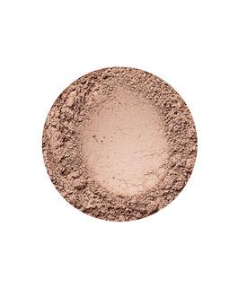 Golden Medium fényes hatású alapozó az Annabelle Mineralstól