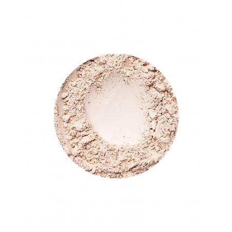 Golden Fairest fényes hatású ásványi alapozó érett bőrre