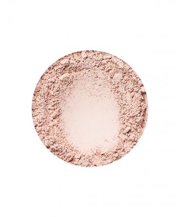 Natural Light fényes hatású alapozó az Annabelle Mineralstól