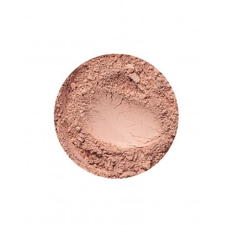 Beige Medium mineral mattende foundation for mørk hudtone
