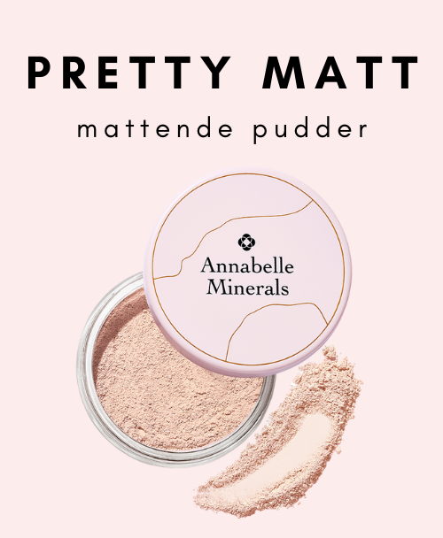 Mattende pudder PRETTY MATT fra Annabelle Minerals gir huden en elegant og matt effekt.