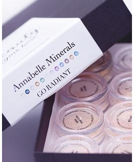 Zestaw miniaturek podkładów rozświetlających GO RADIANT Annabelle Minerals