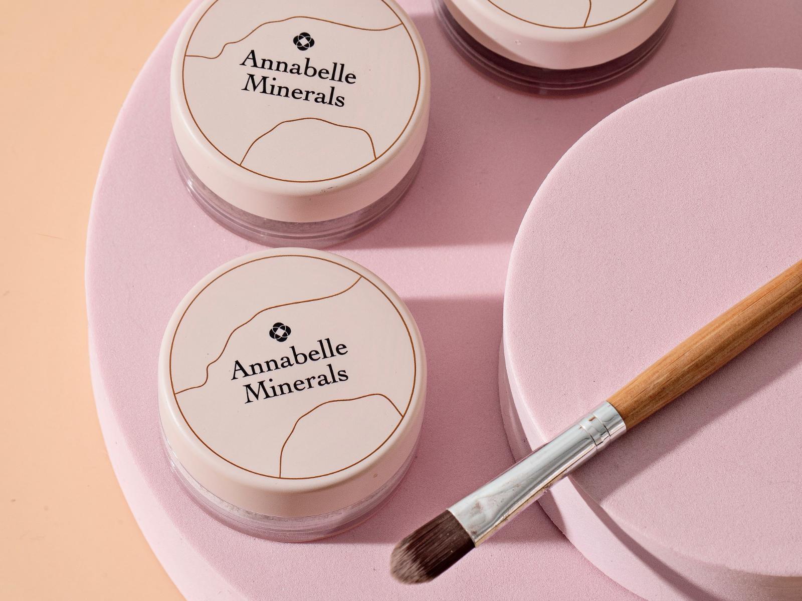 Korektory mineralne Annabelle Minerals do krycia niedoskonałości, naczynek i przebarwień
