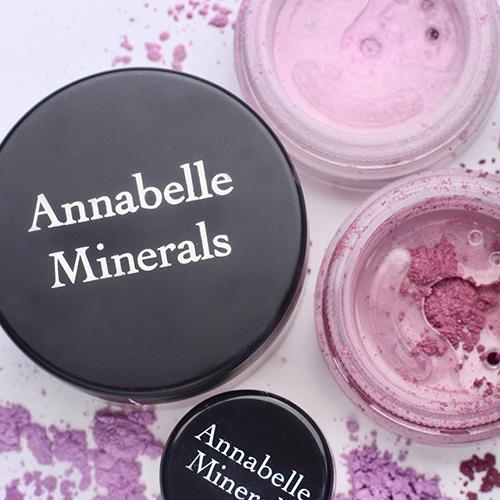 Cienie mineralne Annabelle Minerals w odcieniach fioletu
