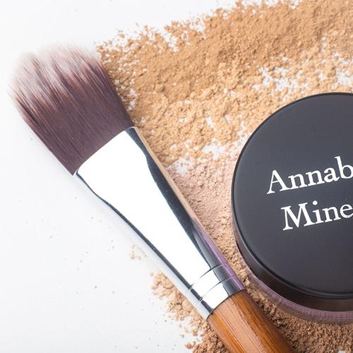Pędzel języczowy do podkładu Annabelle Minerals