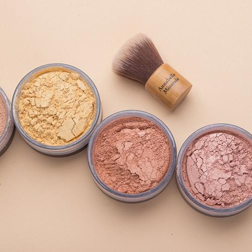 Produkty do rozświetlania twarzy